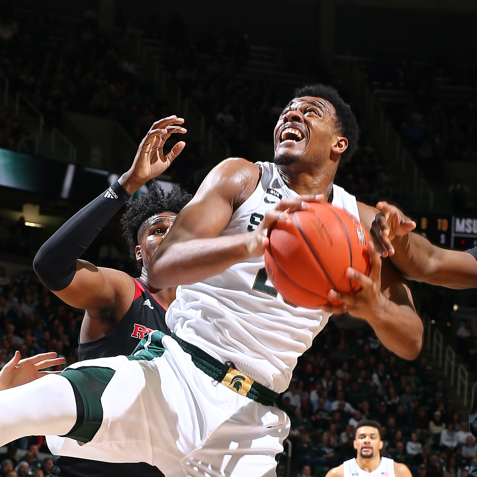 Michigan State shakes off rough first half, disposes of Rutgers
