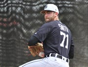 Chris Smith throws in the bullpen at the first full squad workout at Tigers spring training in Lakeland, Fla. on Feb. 18.