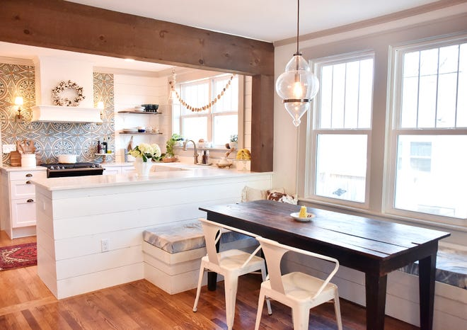 Lindsay and Chris Jackman transformed this kitchen and dining room into a showpiece.