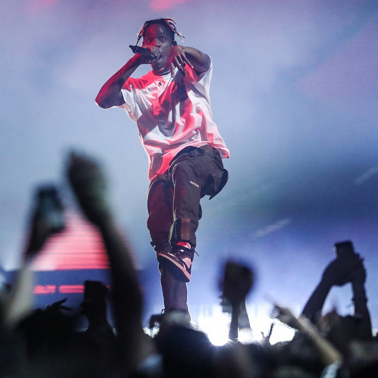 Travis Scott provides thrills for patient fans in Indianapolis