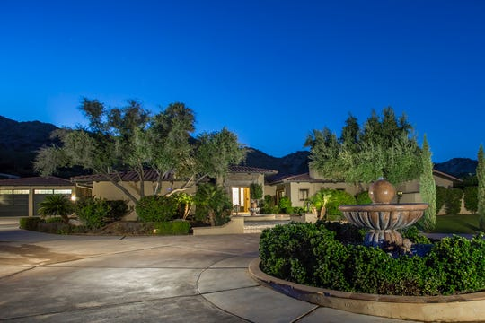 Former Arizona Diamondbacks pitcher J.J. Putz has listed his Paradise Valley home for $3M