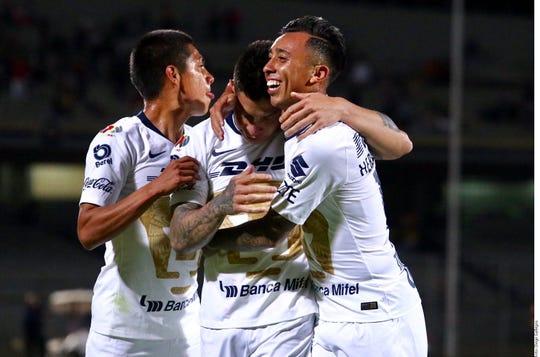 Pumas siguen sumando triunfos en liga y en copa MX