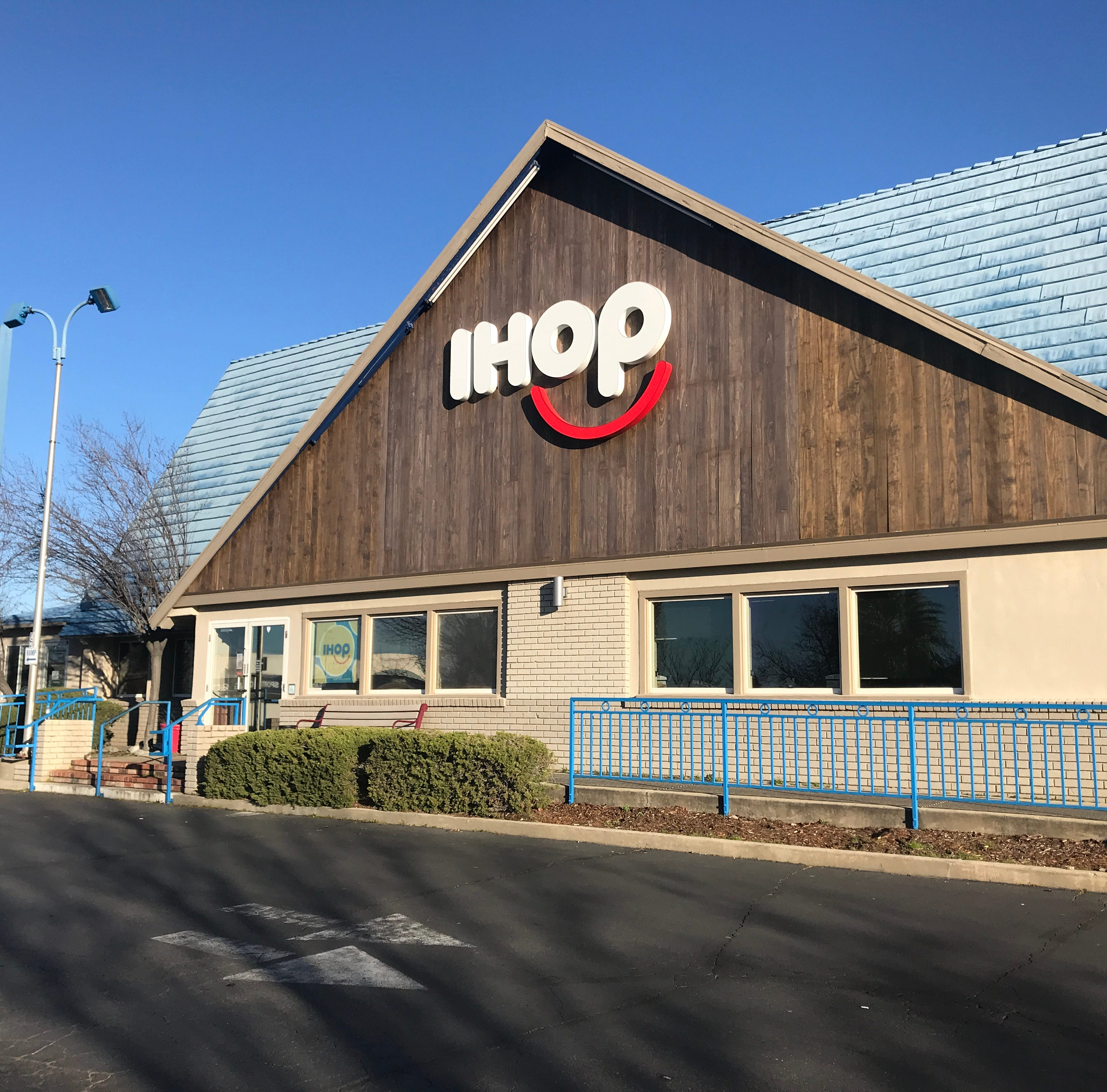 UPDATE: Fire forces IHOP in Redding to temporarily close
