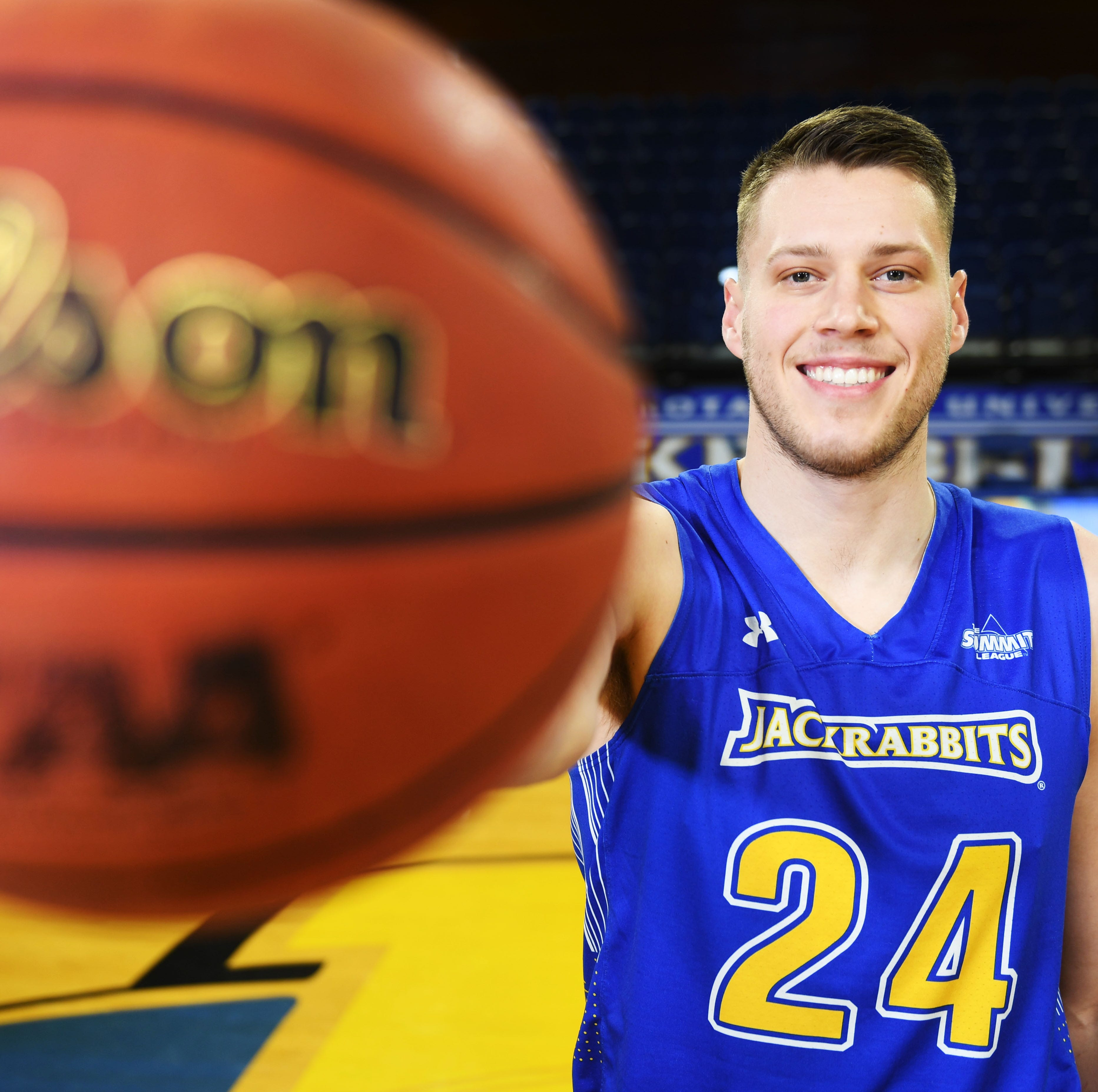 Here's 5 things to know about South Dakota State's Mike Daum