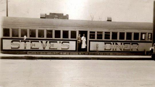Steve's Diner, West Main Street, Waynesboro, 1939.