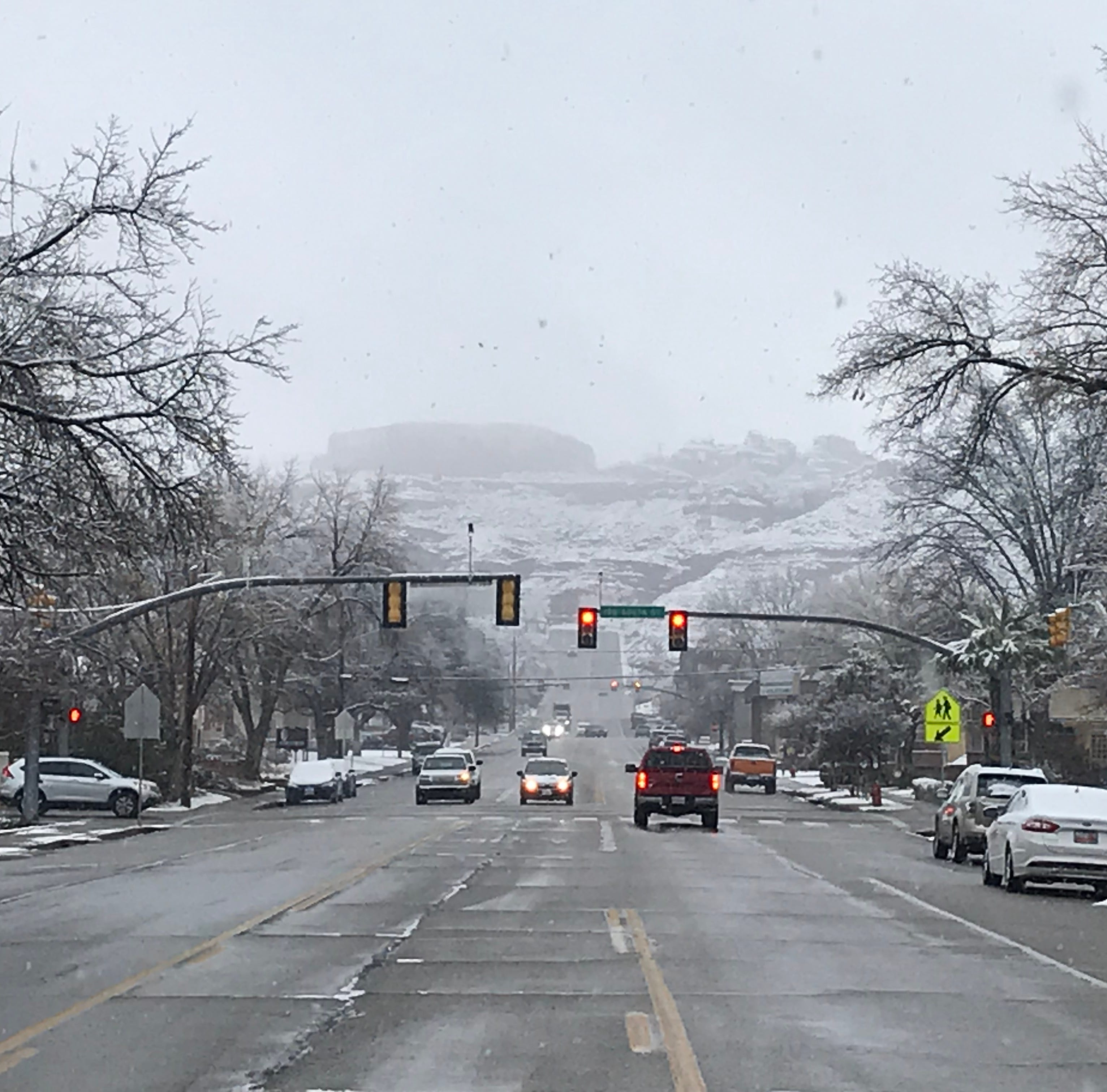 St. George snow: Schools start late, Zion announces closures