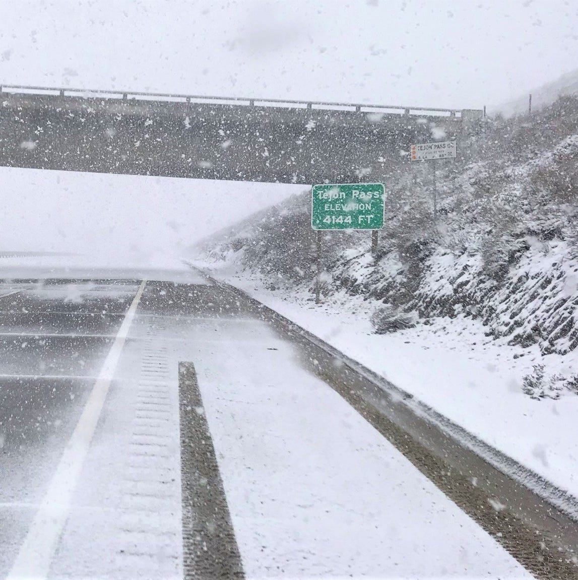 Grapevine, Highway 33 closed by snow as Ventura County endures chill