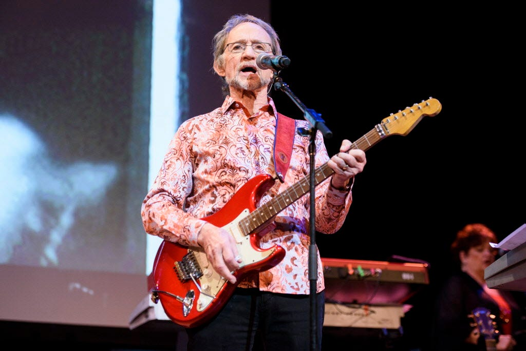 The Monkees' bassist Peter Tork dead at 77