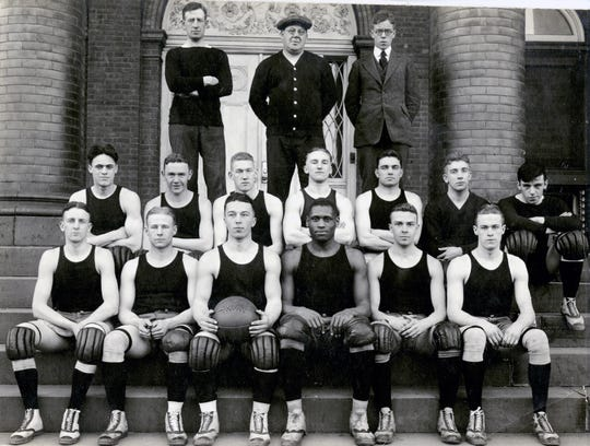 Rutgers' basketball team in 1919 featuring Paul Robeson, then a senior, in the front row.