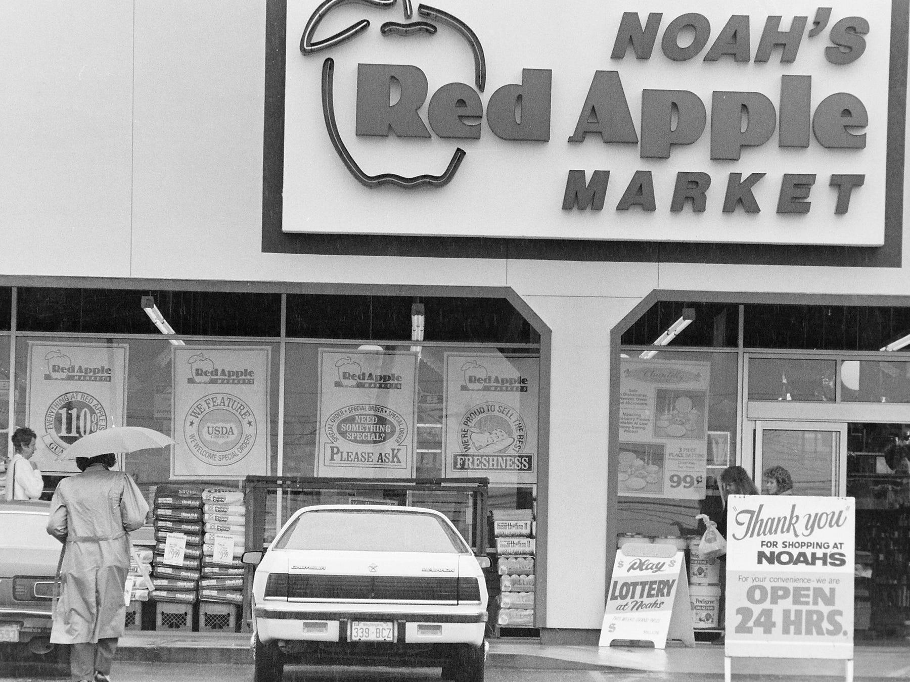 03/06/90Noah's Red Apple