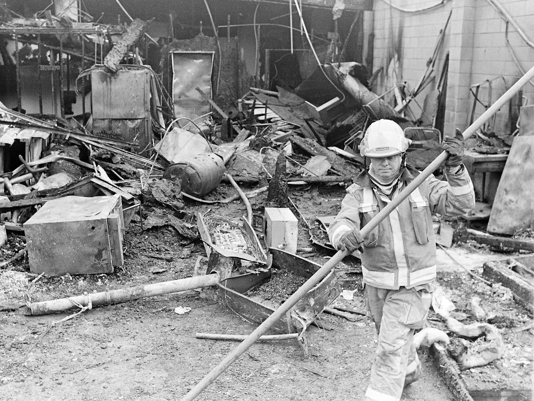 03/06/90Silverdale Fire Scene