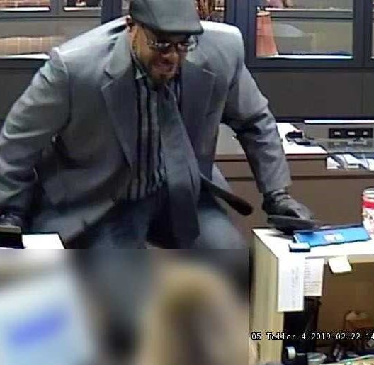 Hamilton County Sheriff's Office: Man in formal wear robs U.S. Bank in Sycamore Township