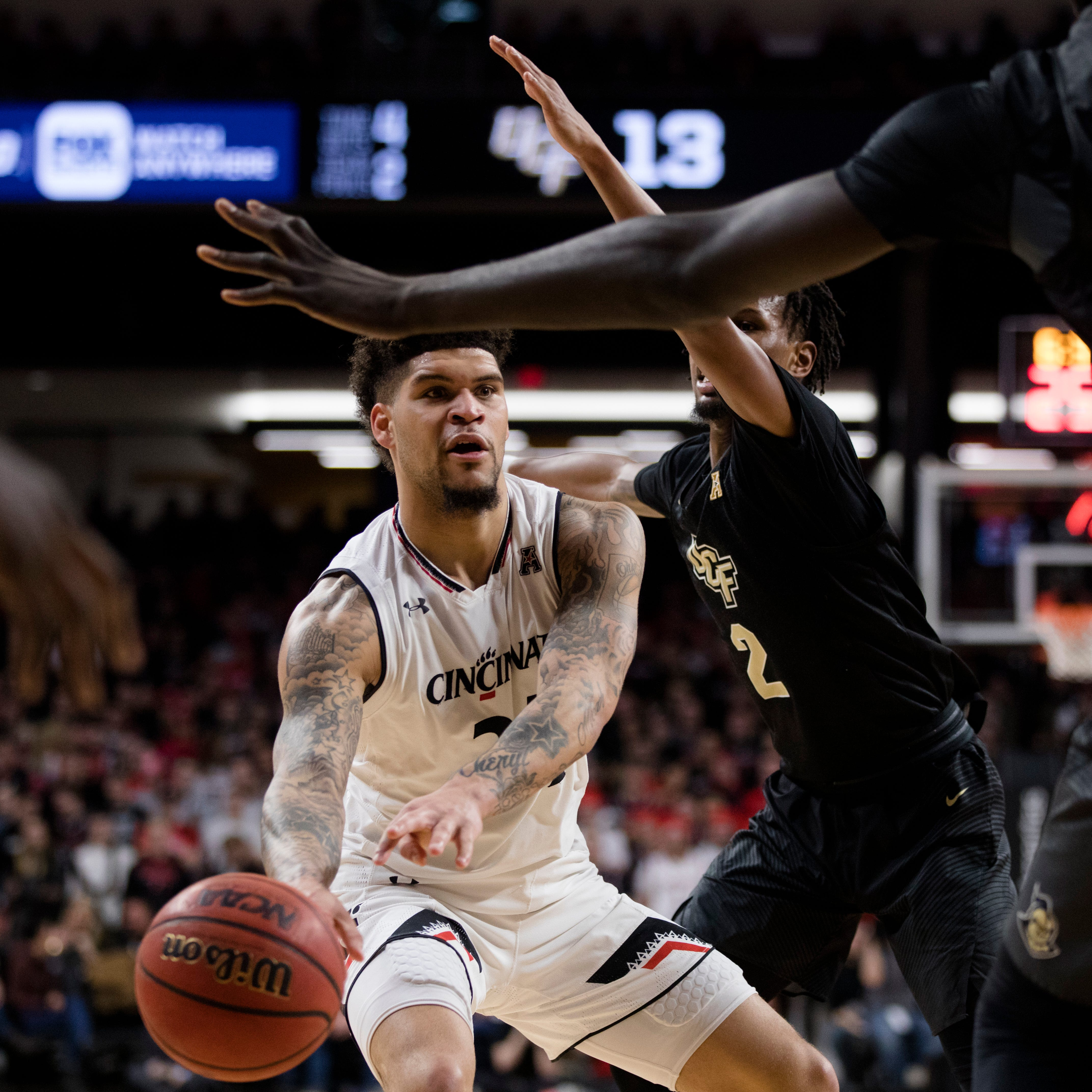 Cincinnati Bearcats slog past Central Florida Knights at Fifth Third Arena