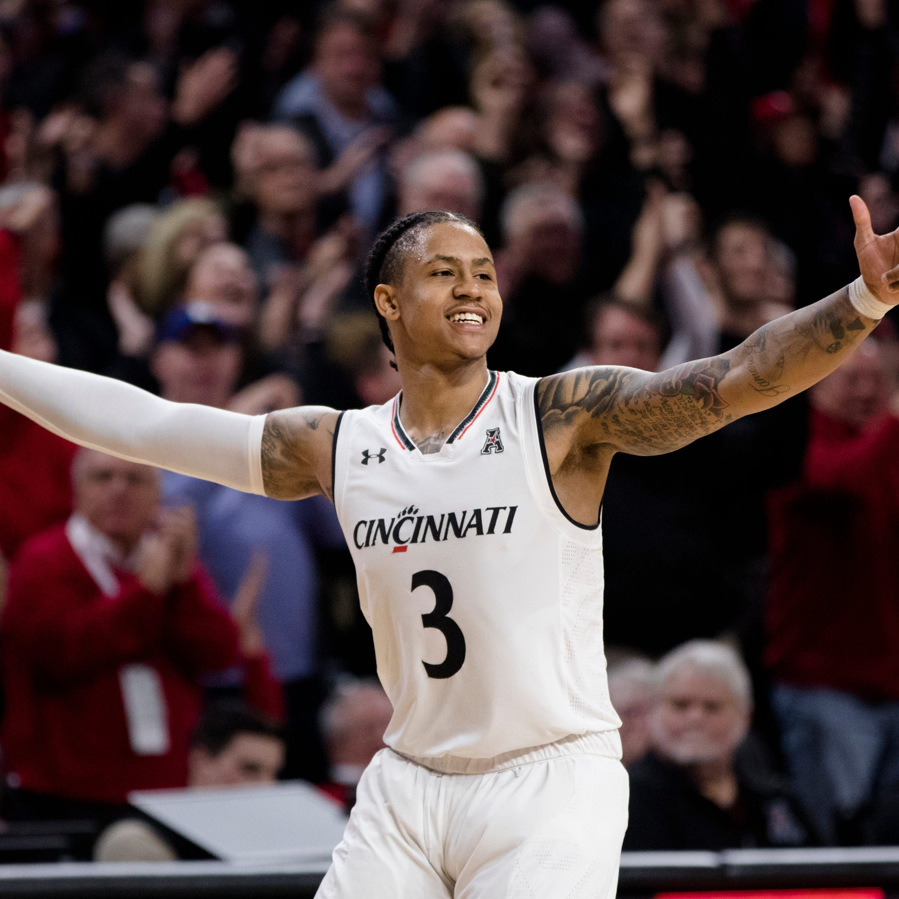 Paul Daugherty: It is time for the Cincinnati Bearcats to put on a show for the selection committee