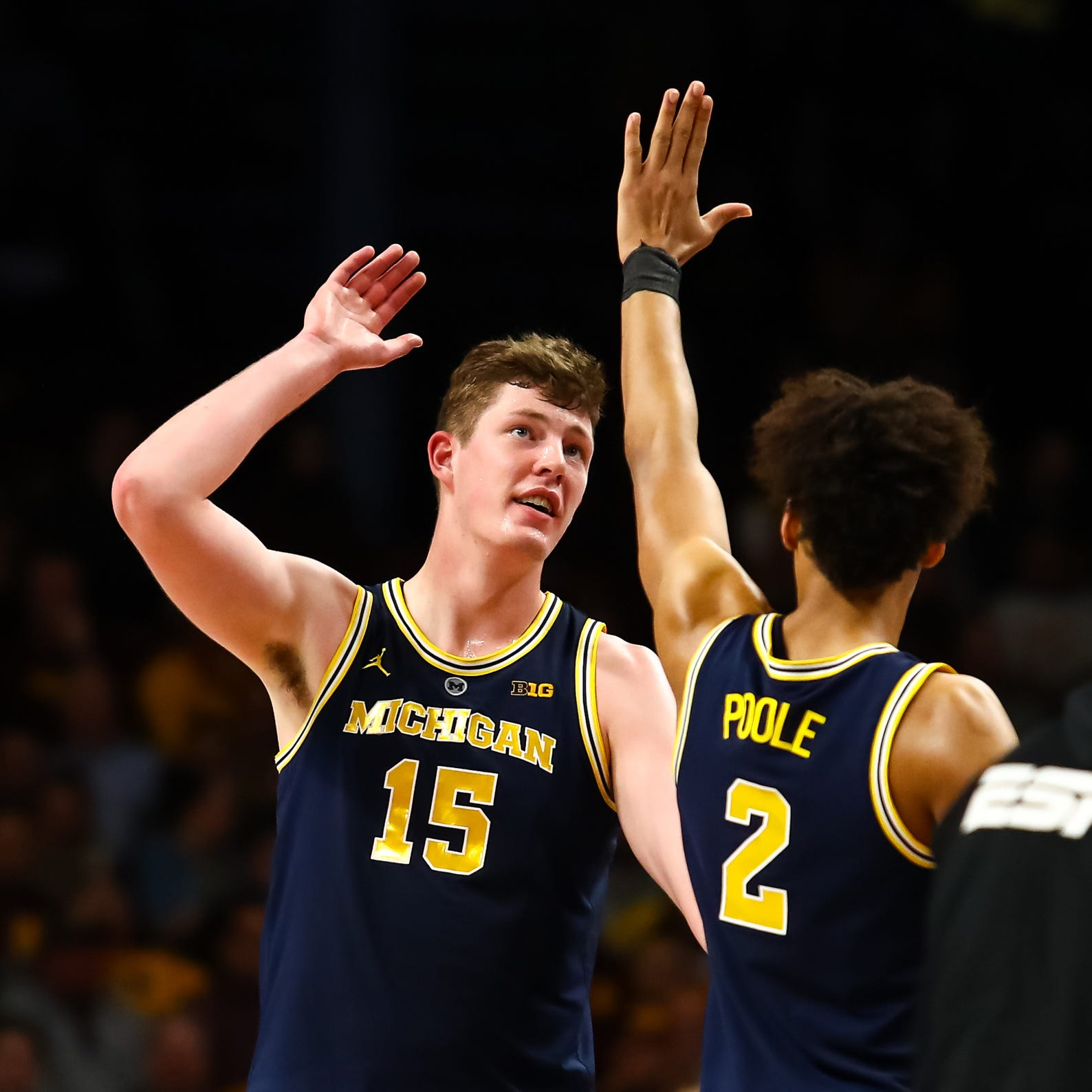 Michigan basketball coach John Beilein keeps pushing Jon Teske to shoot 3-pointers