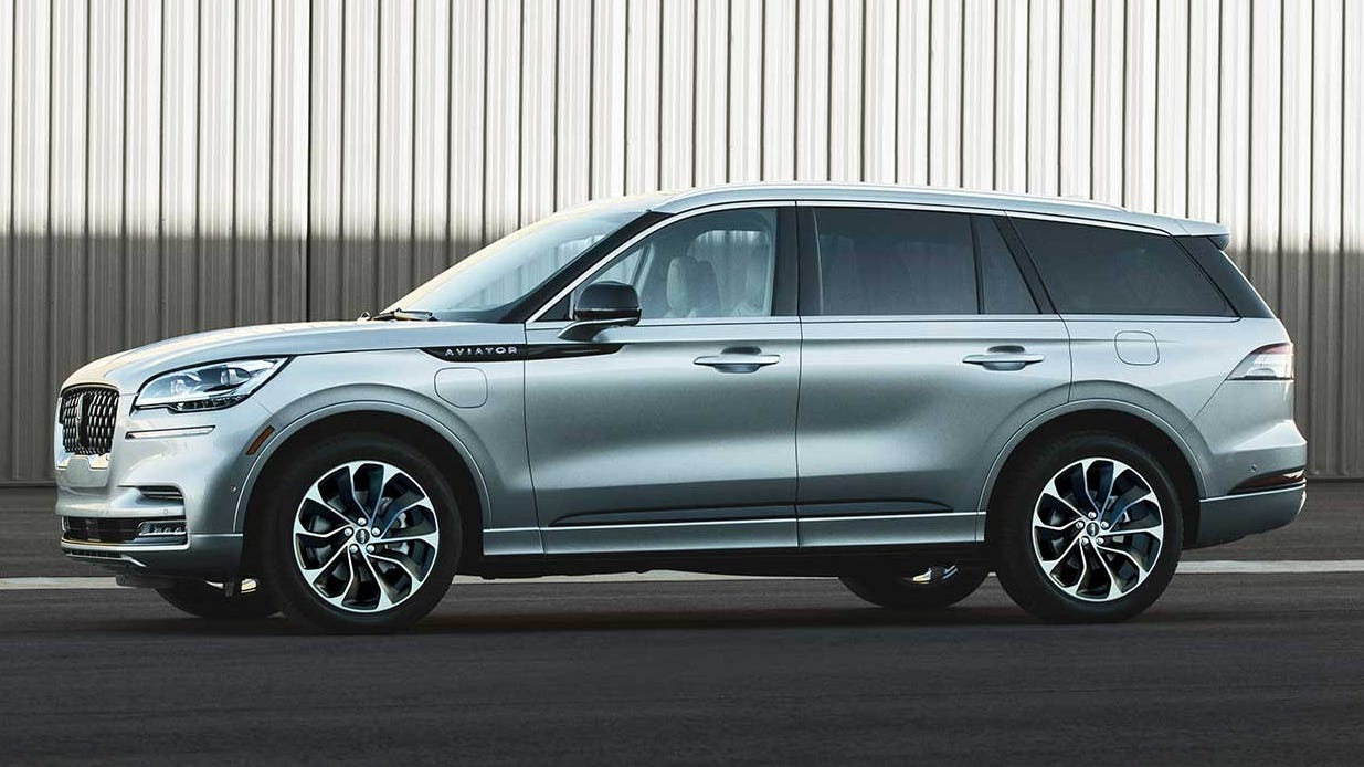 Lincoln Aviator Adds Muscle To Its Luxurious Looks