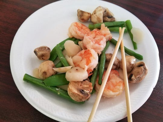 Lightly cooked shrimp and vegetables with a ginger and garlic broth from the healthy menu at Yum Yum Chinese Restaurant in Henderson.