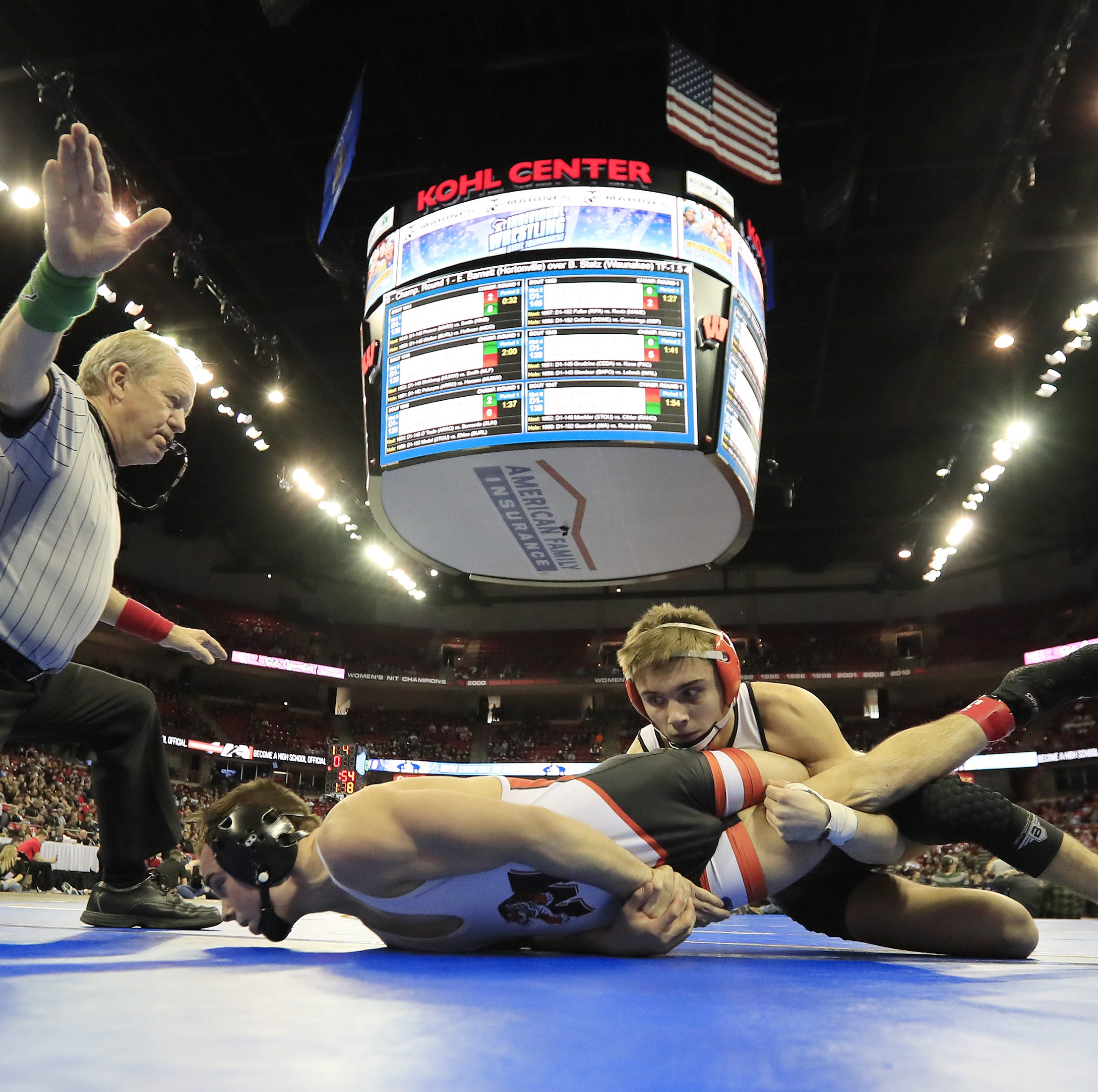 WIAA state wrestling: Day 1 results from Madison