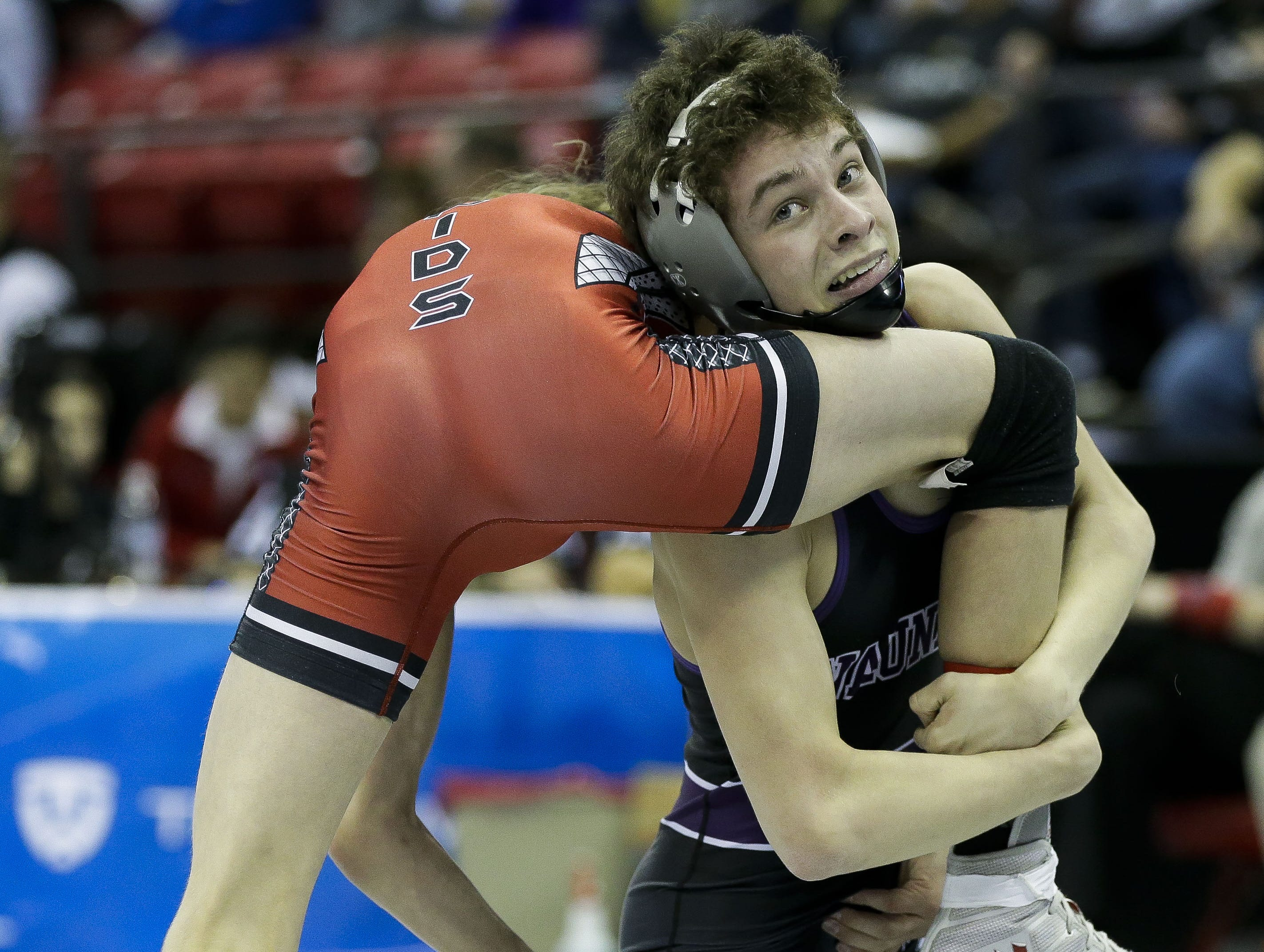 Waunakee's Kolby Heinz wrestles against Wisconsin Rapids' Preston Spray in a Division 1 106-pound preliminary match during the WIAA state wrestling tournament on Thursday, February 21, 2019, at the Kohl Center in Madison, Wis. Tork Mason/USA TODAY NETWORK-Wisconsin