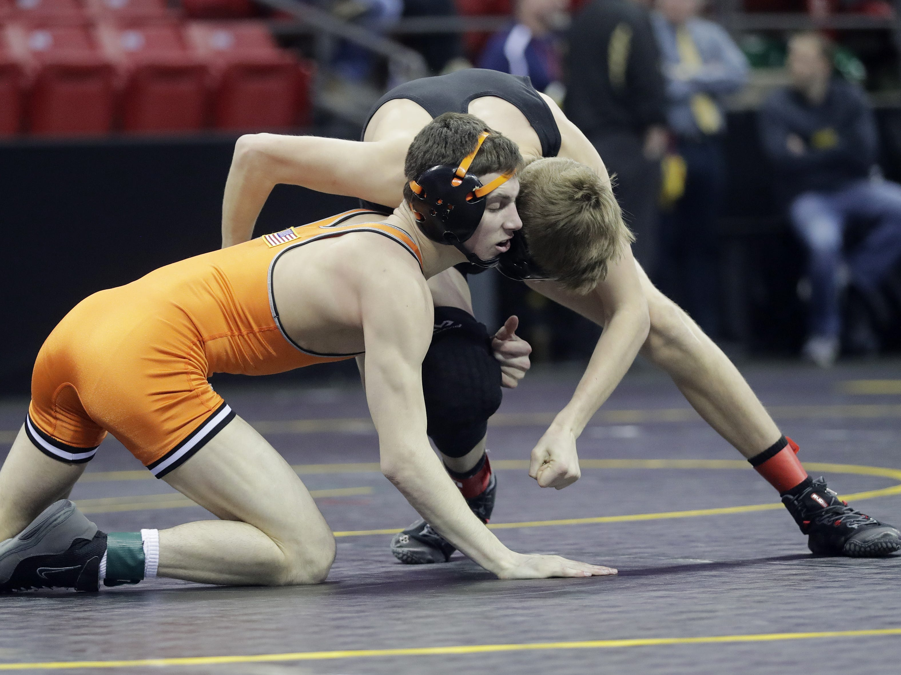 Kaukauna's Mason Campshure wrestles in a Division 1 120-pound preliminary match at the WIAA state individual wrestling tournament at the Kohl Center on Thursday, February 21, 2019 in Madison, Wis. Adam Wesley/USA TODAY NETWORK-Wisconsin
