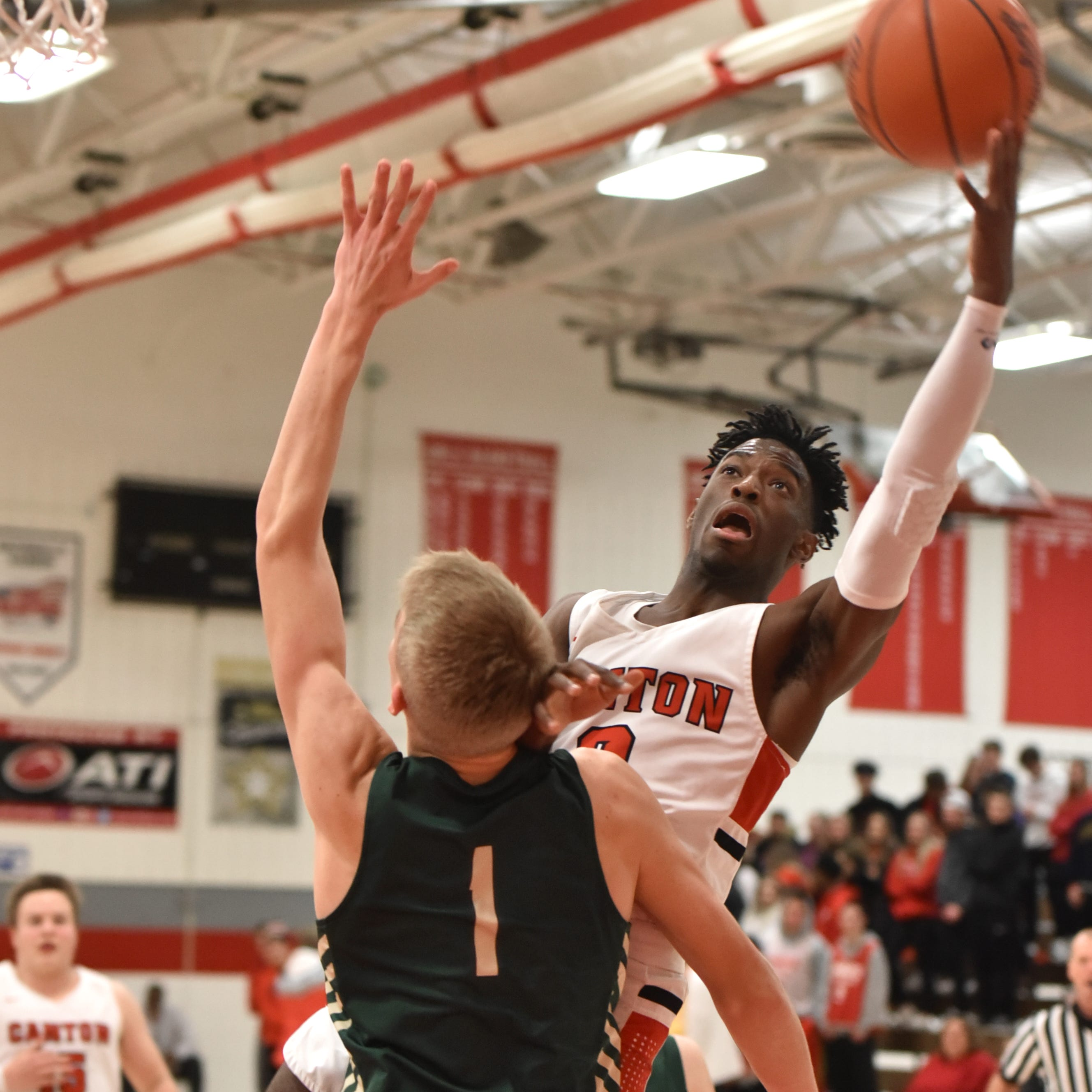 Canton boys basketball blows out Howell to win KLAA Championship