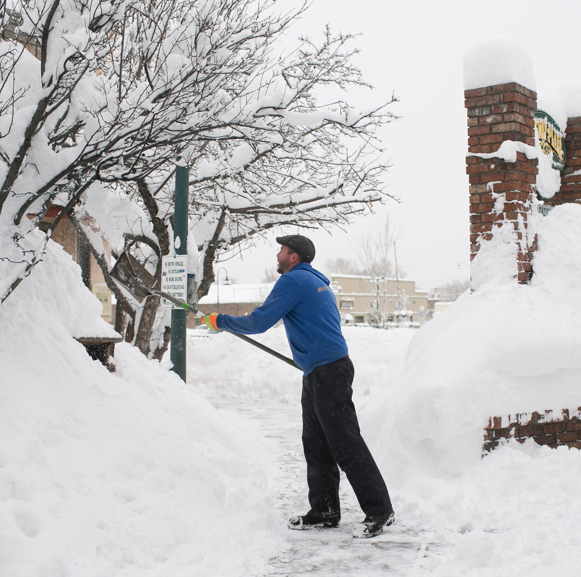 Arizona storm updates: NB I-17 reopens after snowstorm; Flagstaff snow at more than 40 inches so far