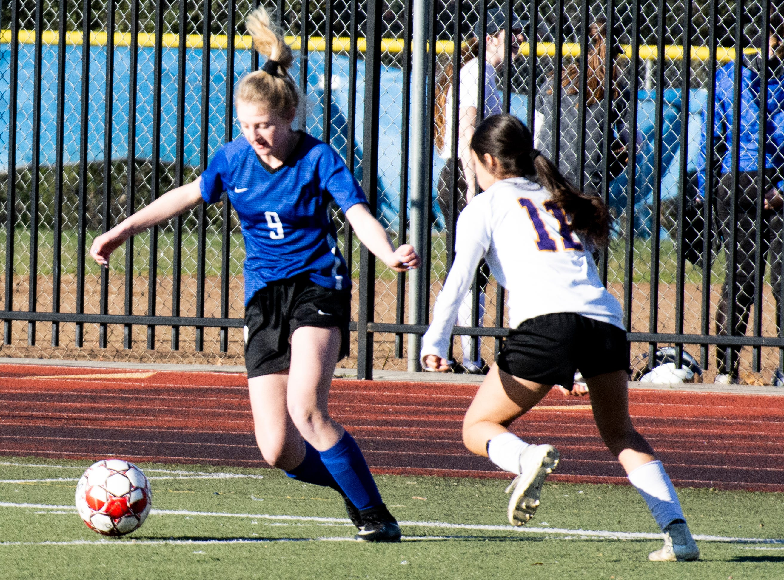 U-Prep freshman Isabel Lendman eludes Live Oak's Bella Barajas during the Panthers' 6-0 win in a Division II Northern Section semifinal on Thursday, Feb. 21.
