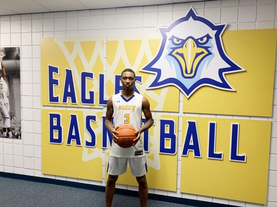 Point guard El Ellis will join TCC's roster next season. He recently signed his scholarship letter to play for the Eagles.