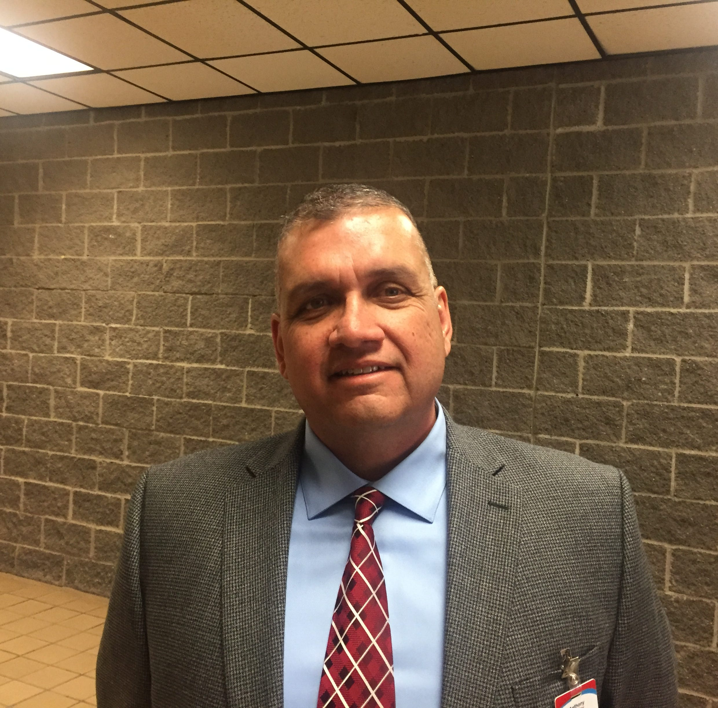 Anthony Hinsley named new head football coach at Socorro High School