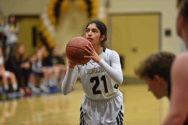 Navya Batra finished with 16 points, five rebounds and four steals for Oak Park in its state regional semifinal win.
