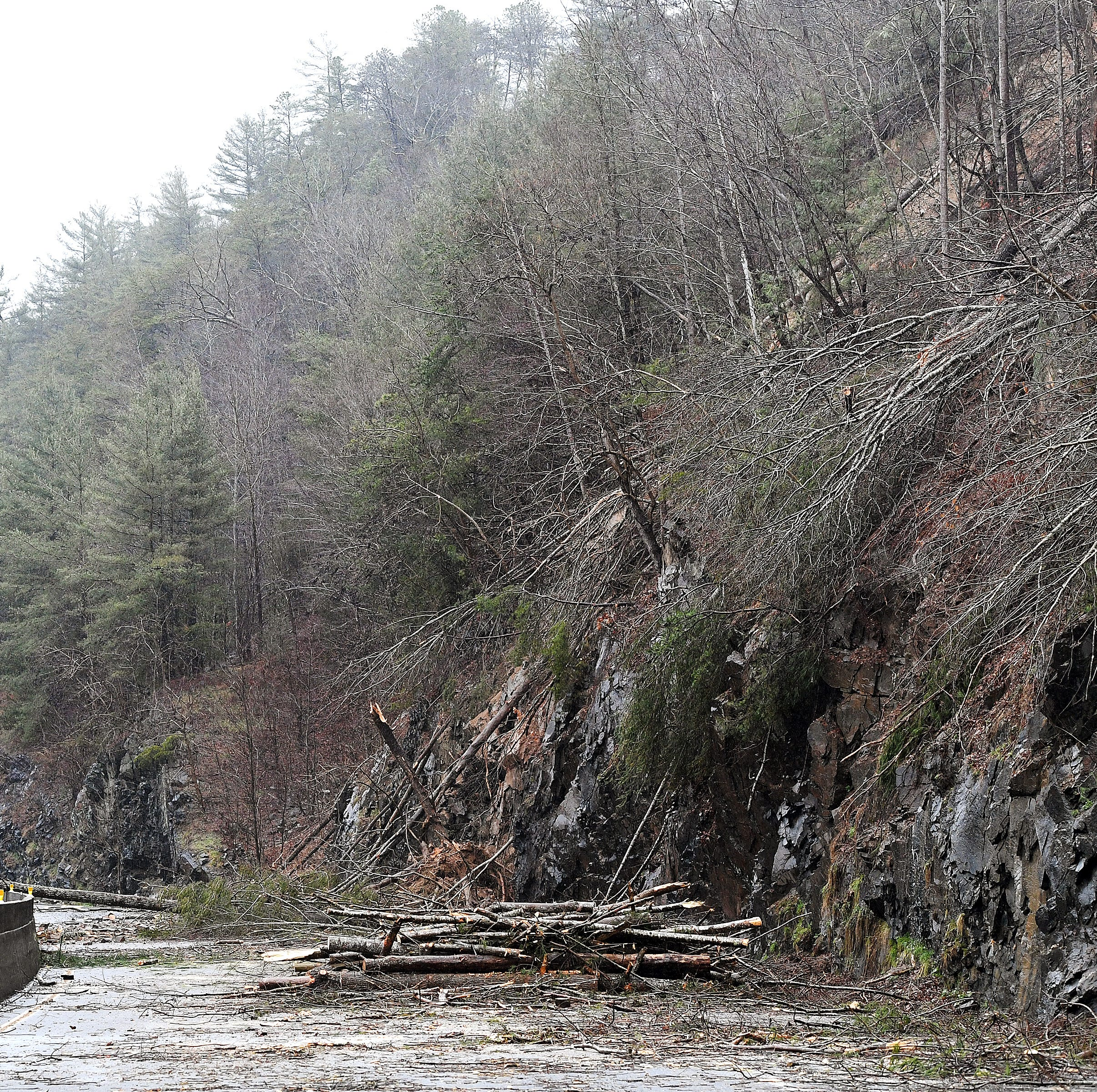 What we know about the I-40 rockslide closure: Details, timeline and detours