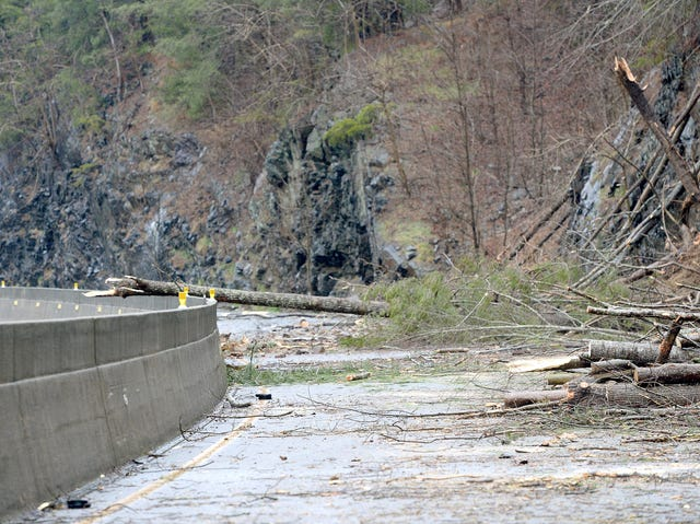 I-40 closure: Rockslide shuts down highway near NC-Tennessee line