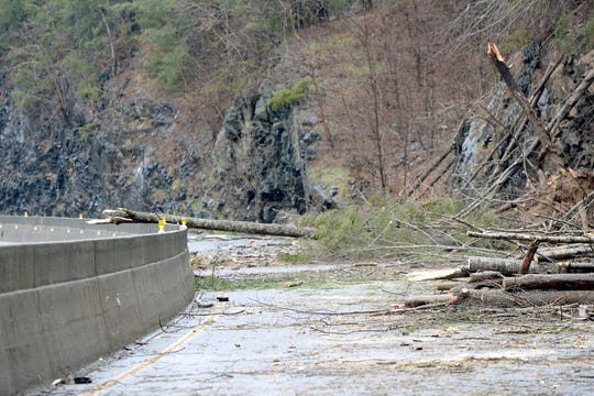 Rockslide closes 20-mile section of Interstate 40 in North Carolina