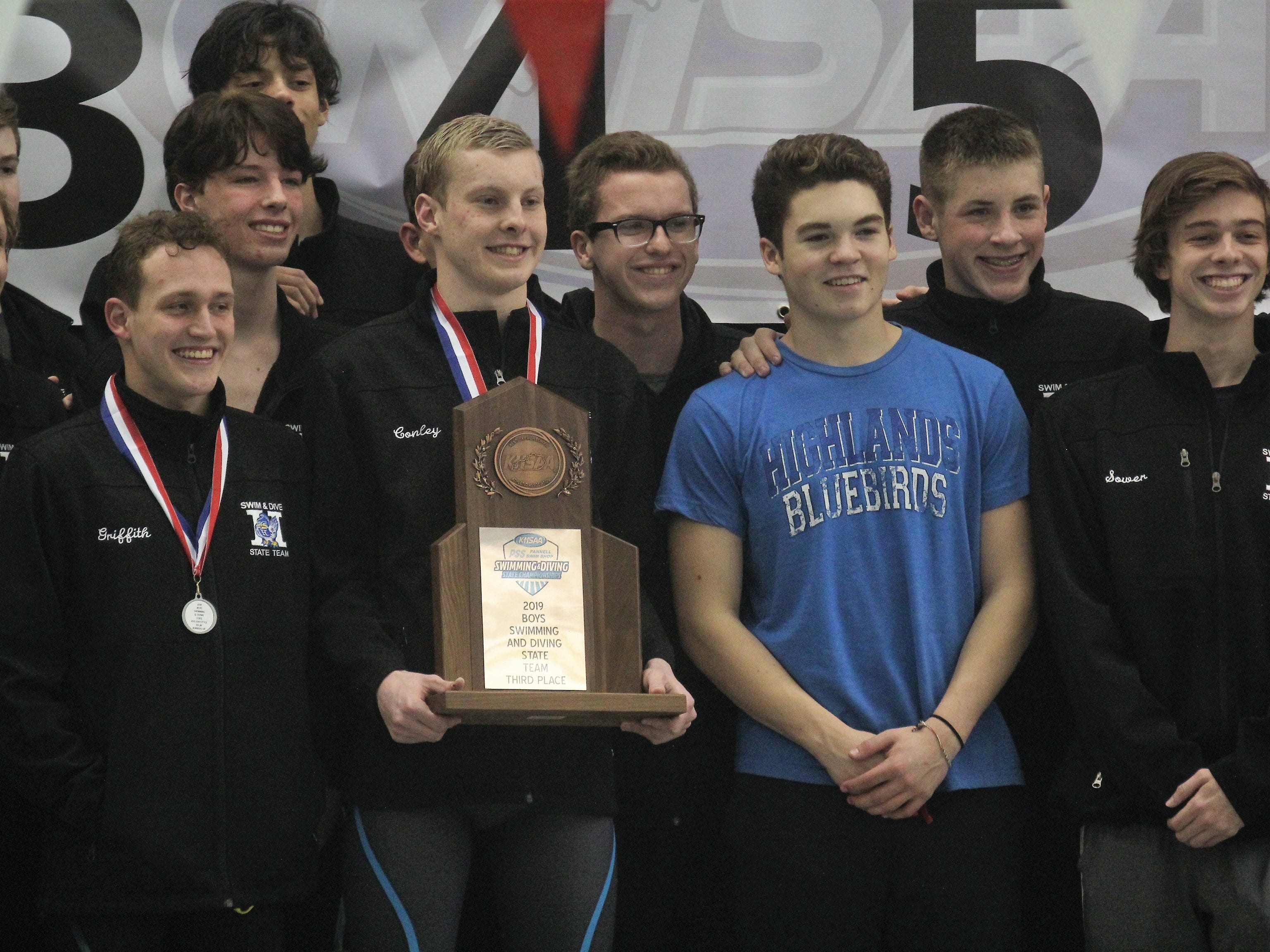 Highlands finished third in the state as a team, 2019 state meet.