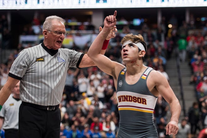 Windsor High School's Dominick Serrano, shown during the 2019 Colorado state tournament, won a junior national championship on Tuesday.