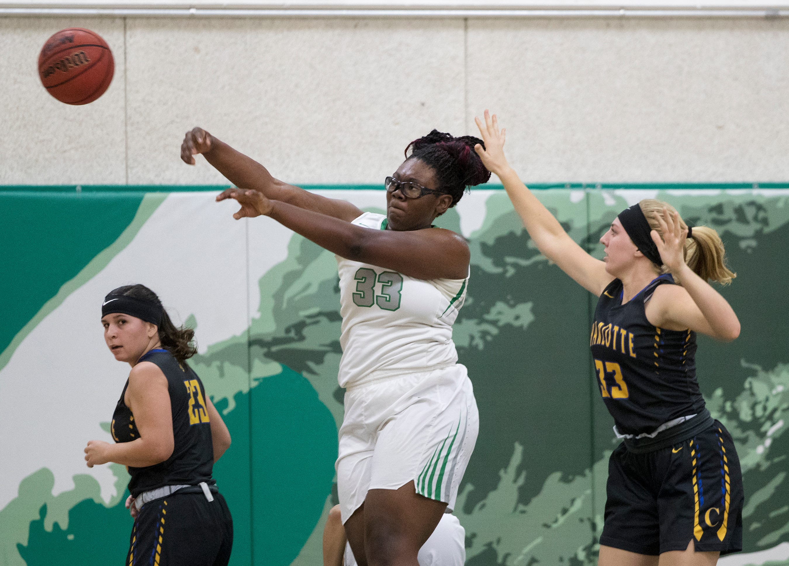 Sophomore Chaniya Clark and the Fort Myers High School girls basketball team seek their fourth straight state championship in Lakeland this weekend. The Green Wave will face Ponte Vedra Nease in a Class 7A semifinal at noon Friday.