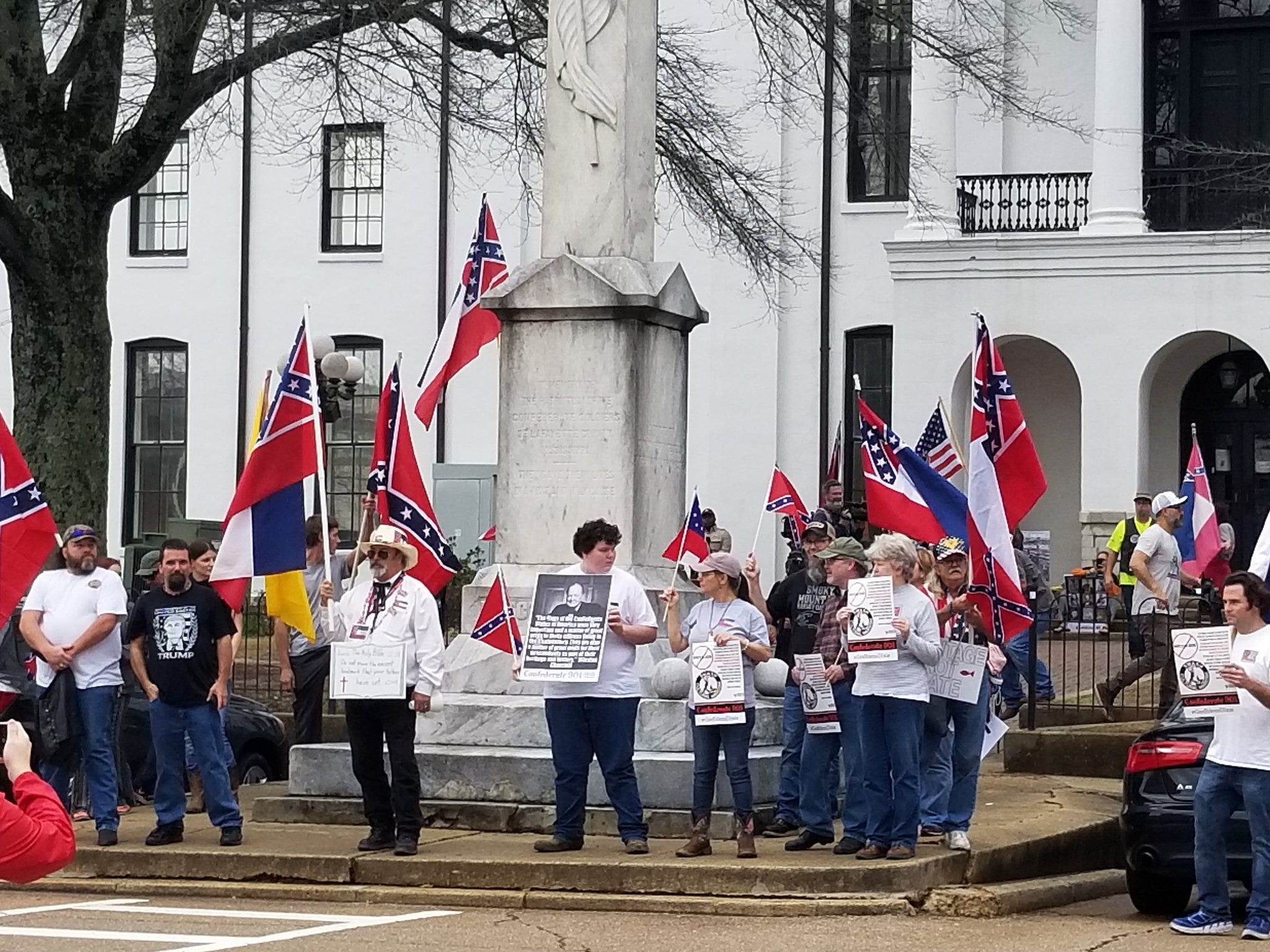 Scenes from pro-Confederate rally:  Group marches to Confederate memorial at Ole Miss | Clarion Ledger
