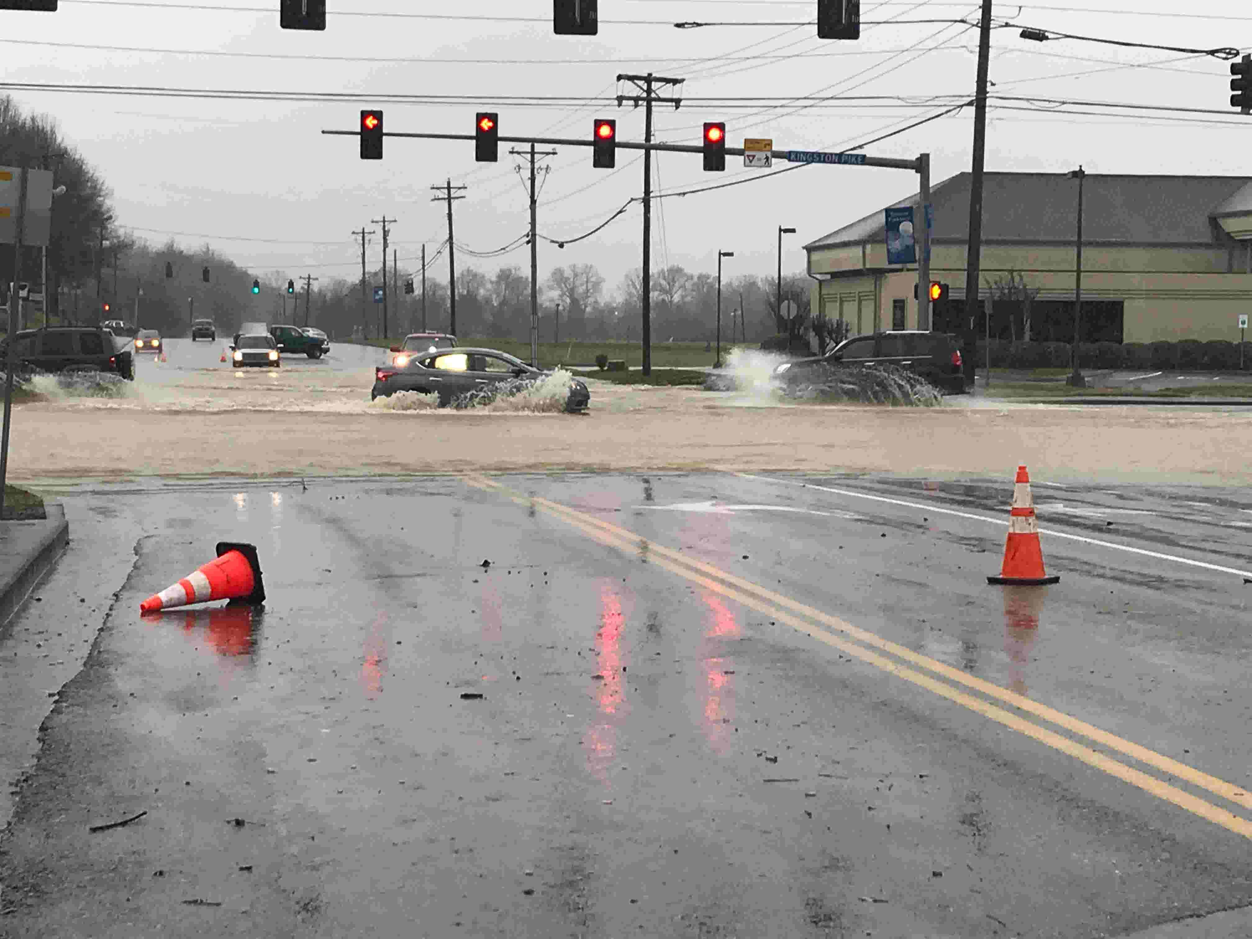 Flooding in Knoxville: Dangerous road conditions in Farragut