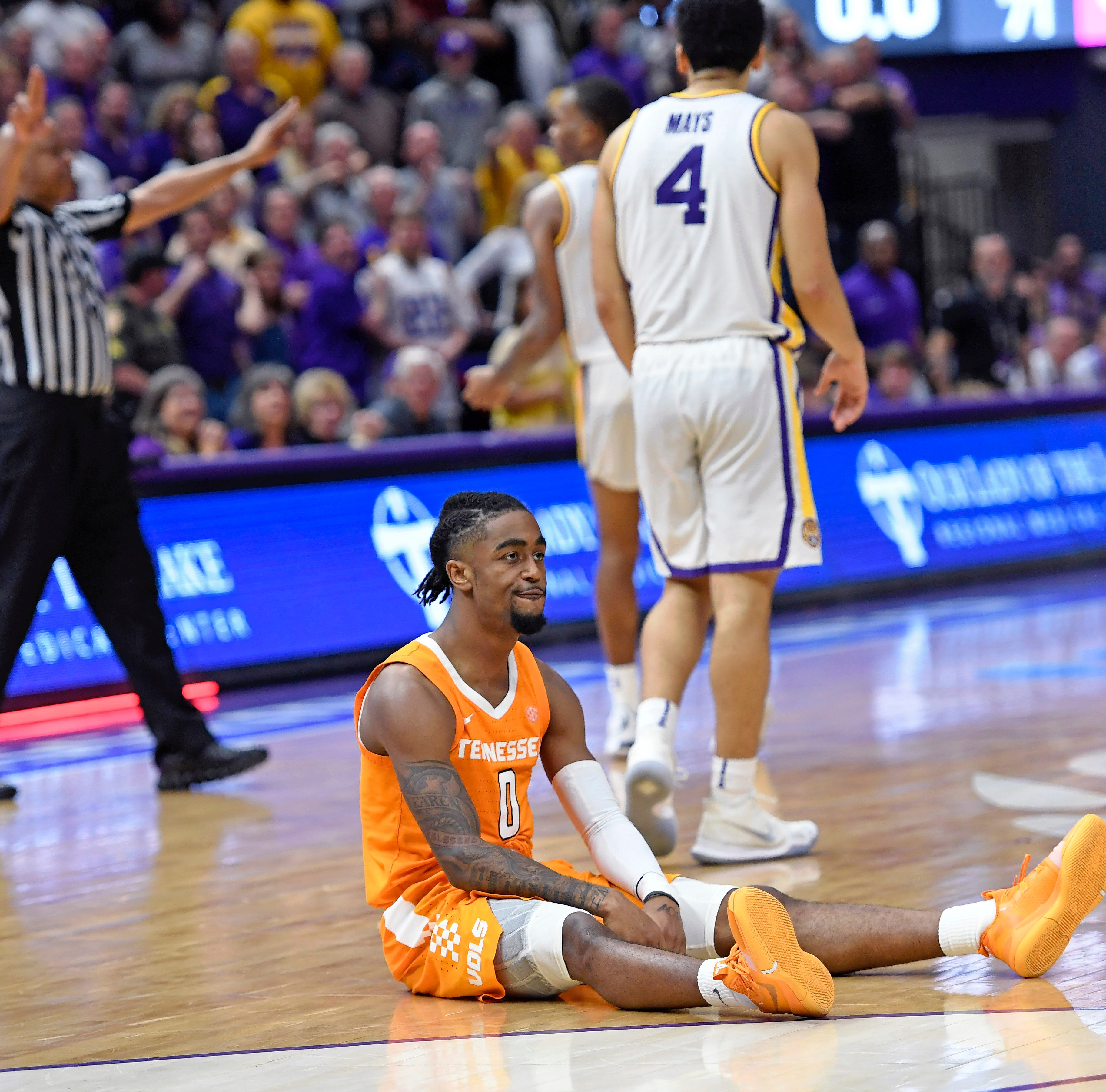 Tennessee basketball sees game slip away vs LSU in overtime, loses SEC lead