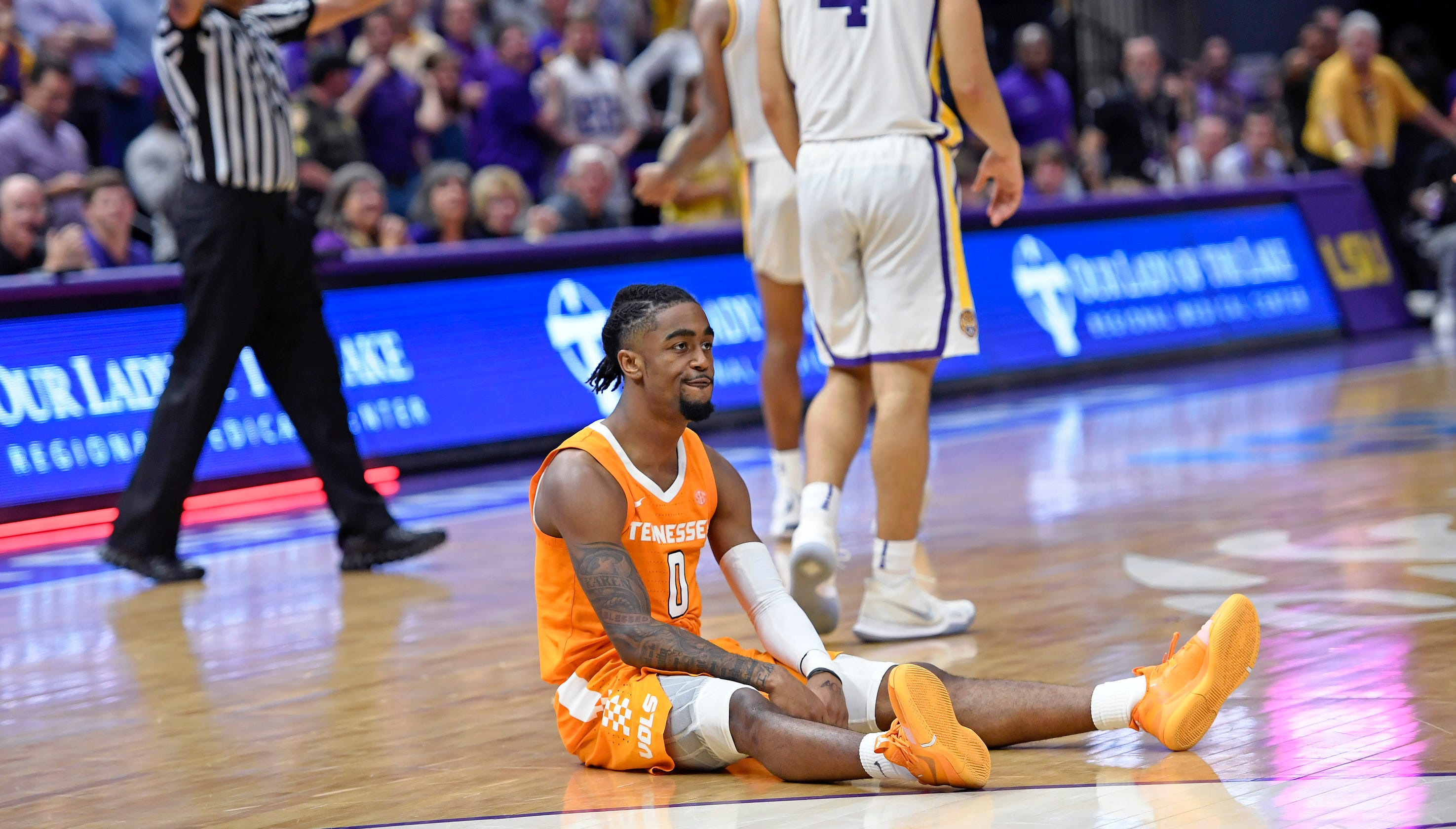 86f8262e64c Tennessee basketball sees game slip away vs LSU in overtime