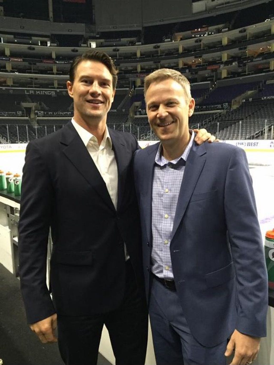 Shane Doan poses with Rich Nairn.
