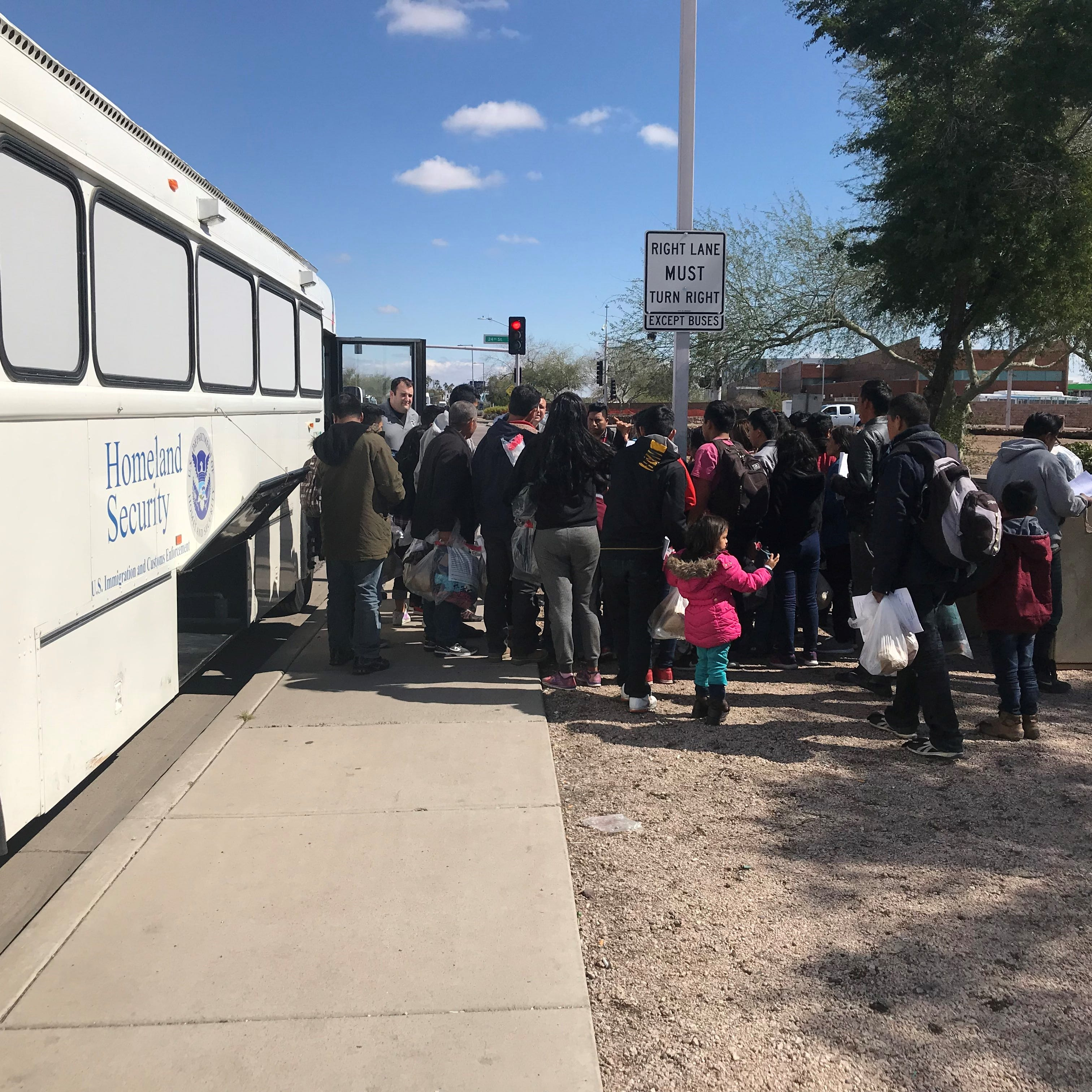 Federal officials drop off migrant families at Greyhound station in Phoenix
