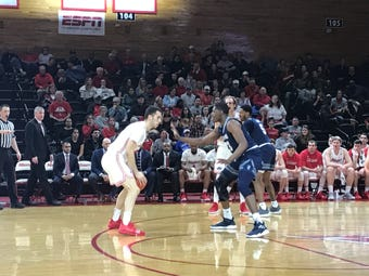 The Marist College men's basketball team was defeated by Saint Peter's, 65-59, on Friday. It snapped the Red Foxes' four-game win streak.