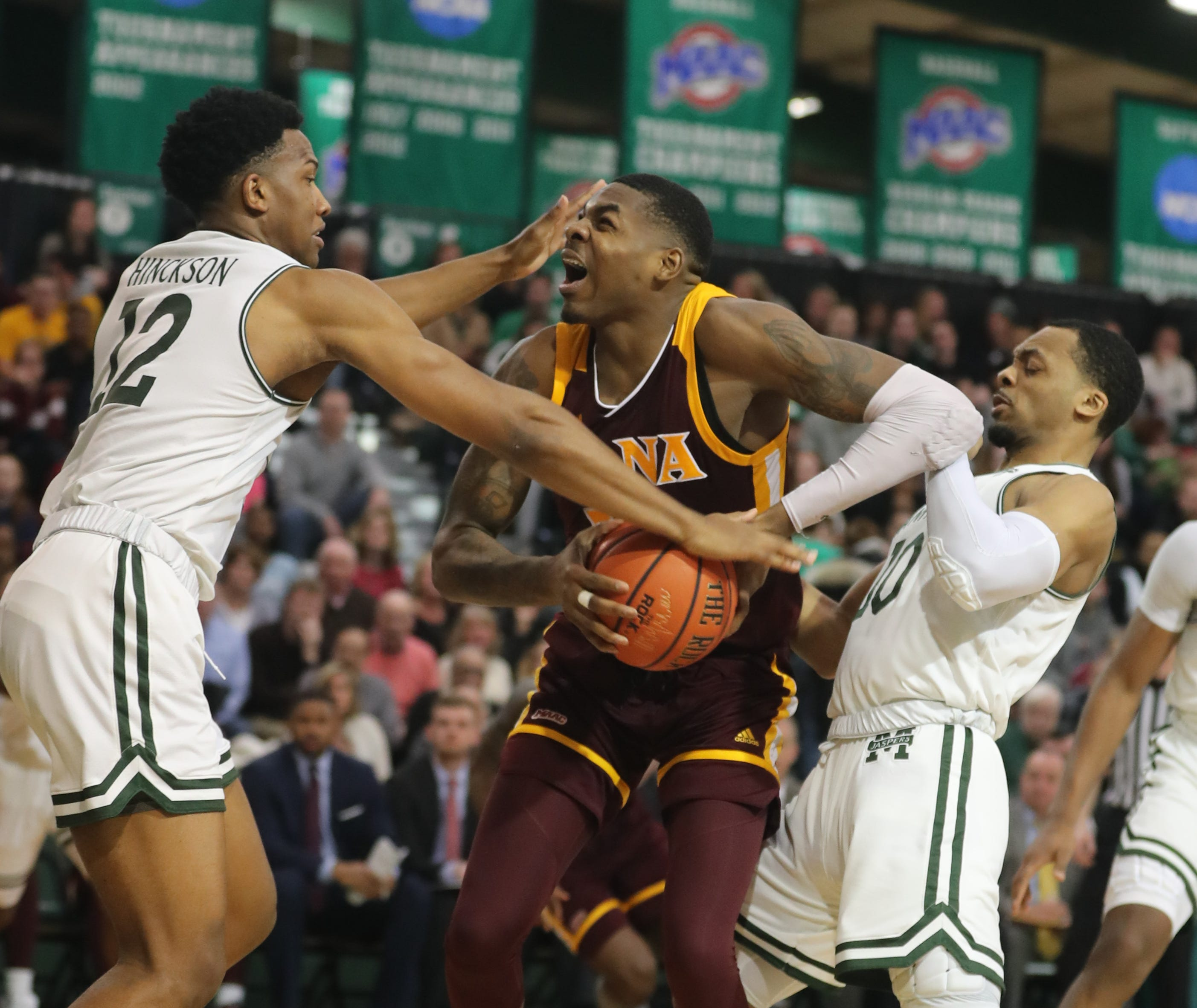 d7cf1437a486 Men s college basketball  Iona falls just short against Siena