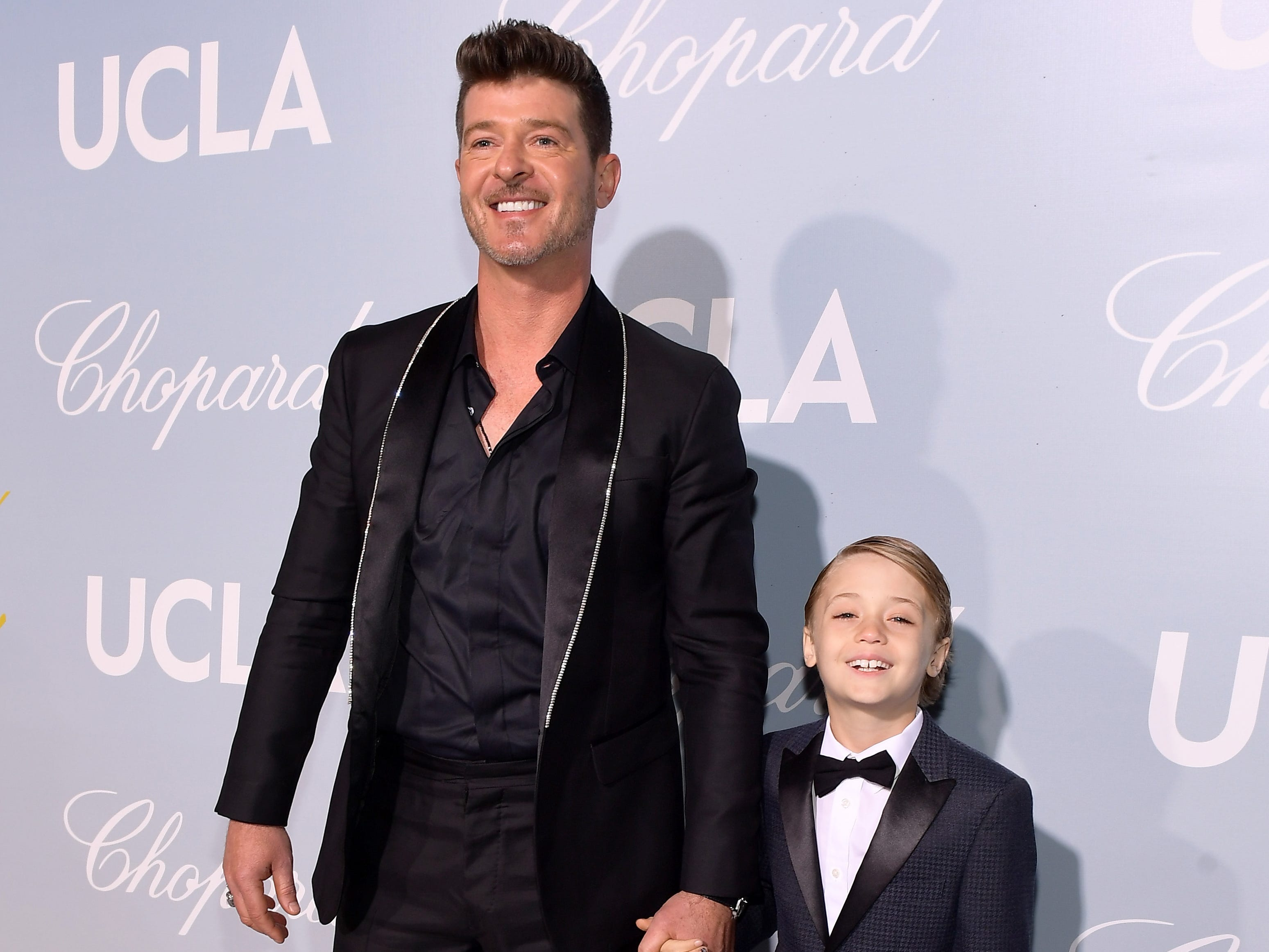 BEVERLY HILLS, CA - FEBRUARY 21:  Robin Thicke and guest attend the UCLA IoES honors Barbra Streisand and Gisele Bundchen at the 2019 Hollywood for Science Gala on February 21, 2019 in Beverly Hills, California.  (Photo by Matt Winkelmeyer/Getty Images for UCLA Institute of the Environment & Sustainability) ORG XMIT: 775301825 ORIG FILE ID: 1126664594