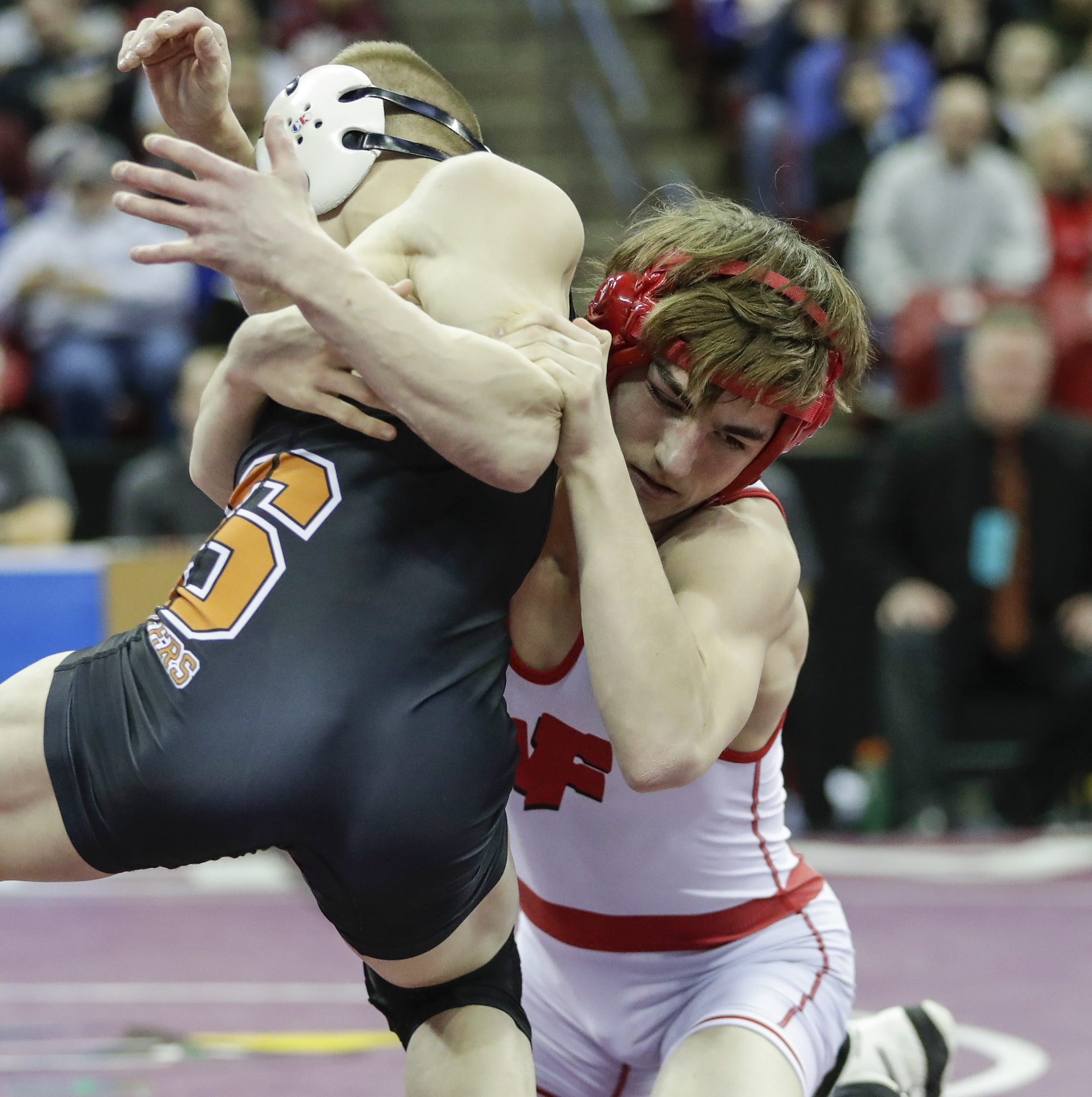 WIAA state wrestling: Fourth time a charm for Weyauwega-Fremont's Fischer