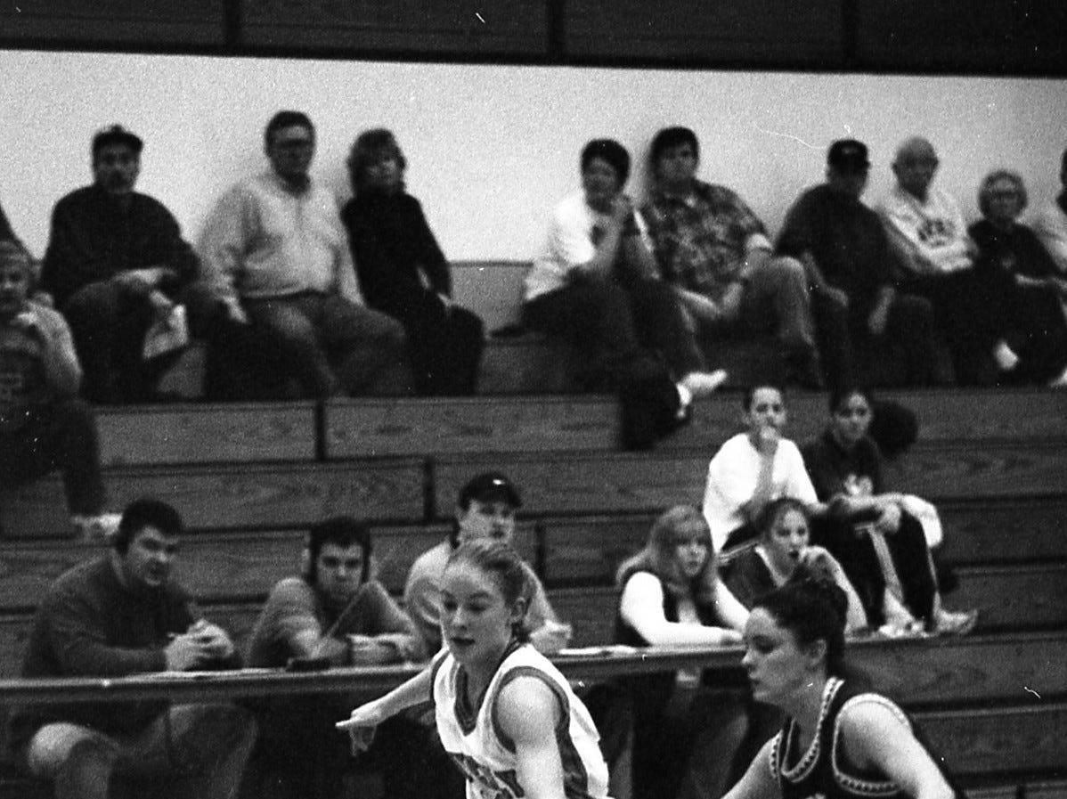 Waverly vs Unioto girls basketball 1999.