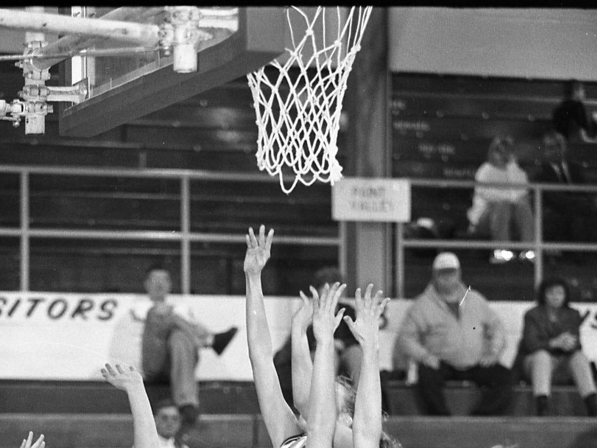 Huntington vs Westfall girls basketball 1999.