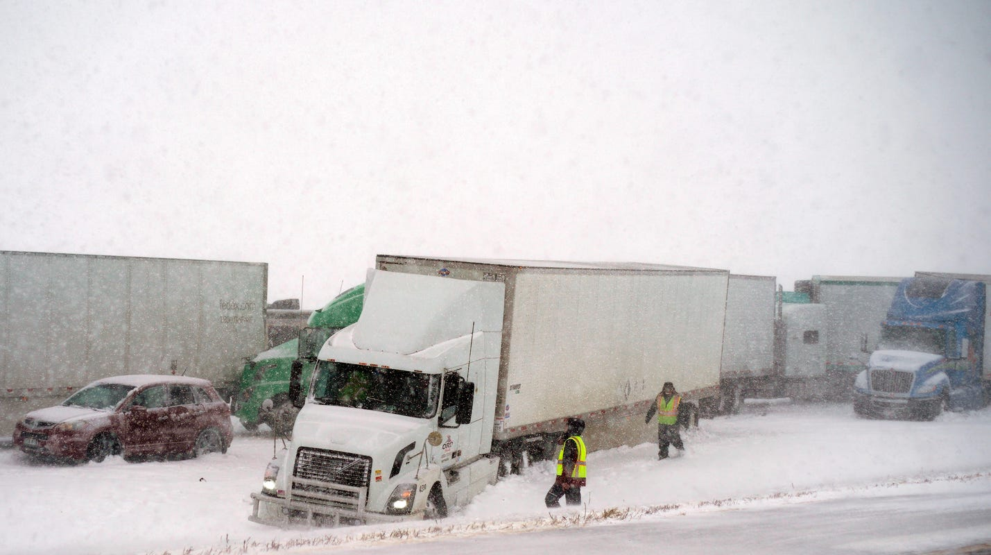 Snow and icy conditions lead to crashes in Warren County