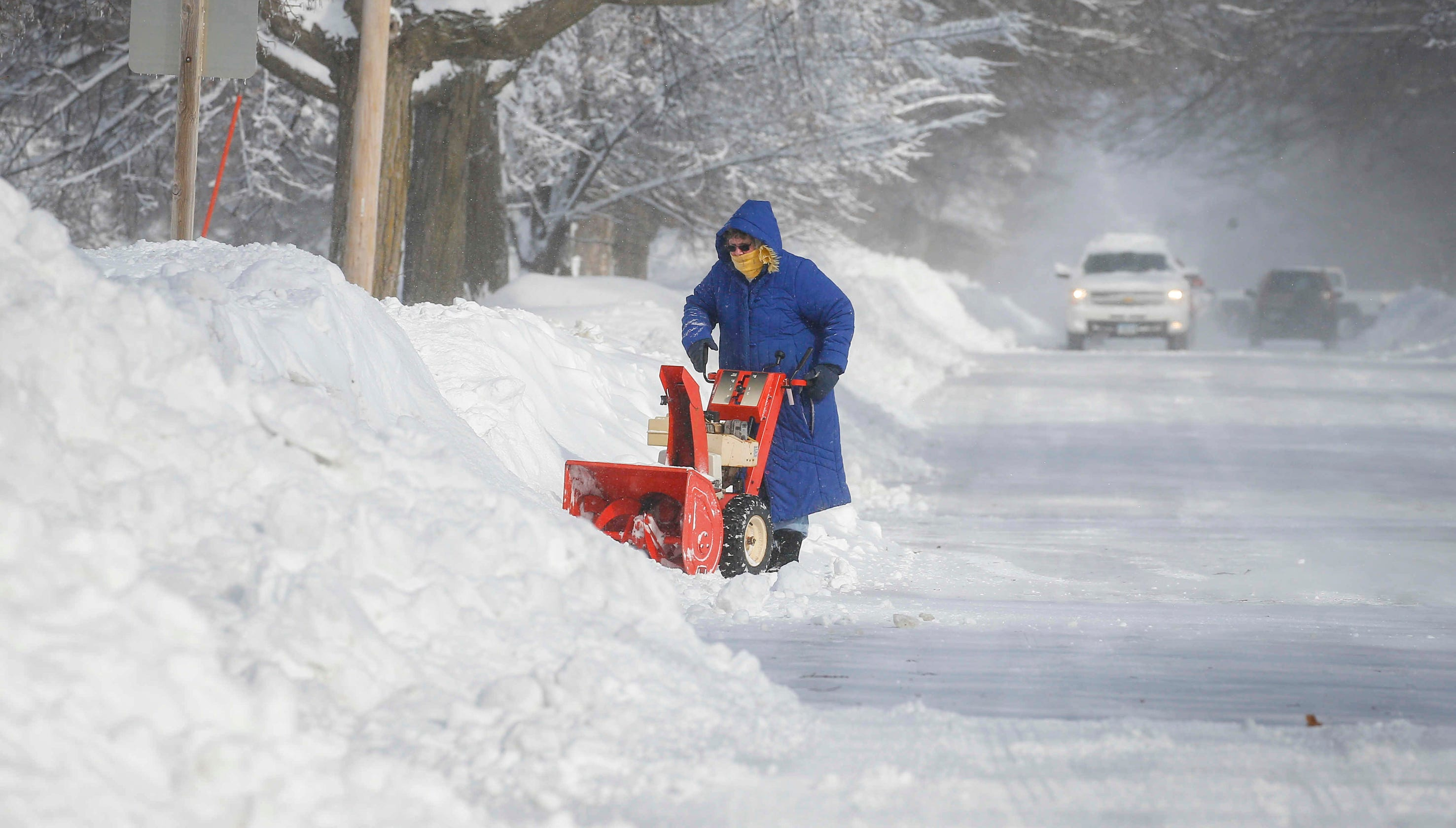 Iowa winter weather: Significant road closures across most